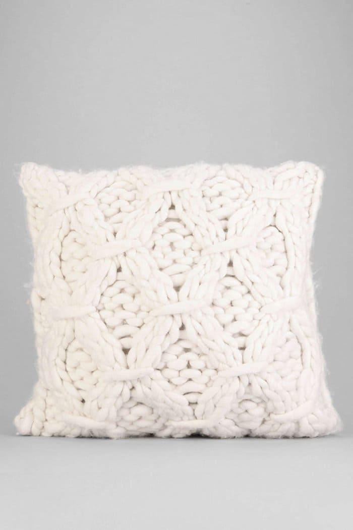 cozy-gift-knitwear-cushion