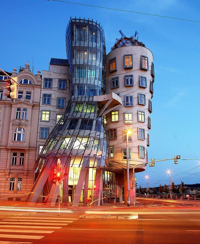 dancing-houses-prague