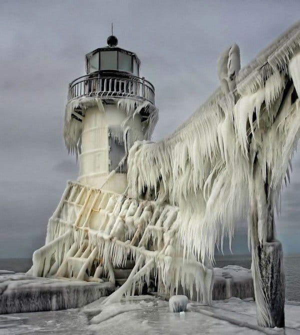 frozen-lighthouse