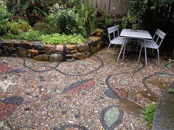 garden-pebble-path-patch