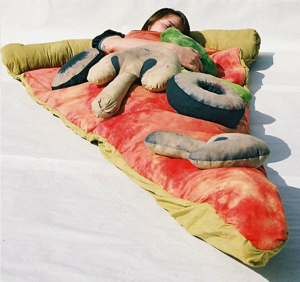 gifts-pizza-sleeping-bag
