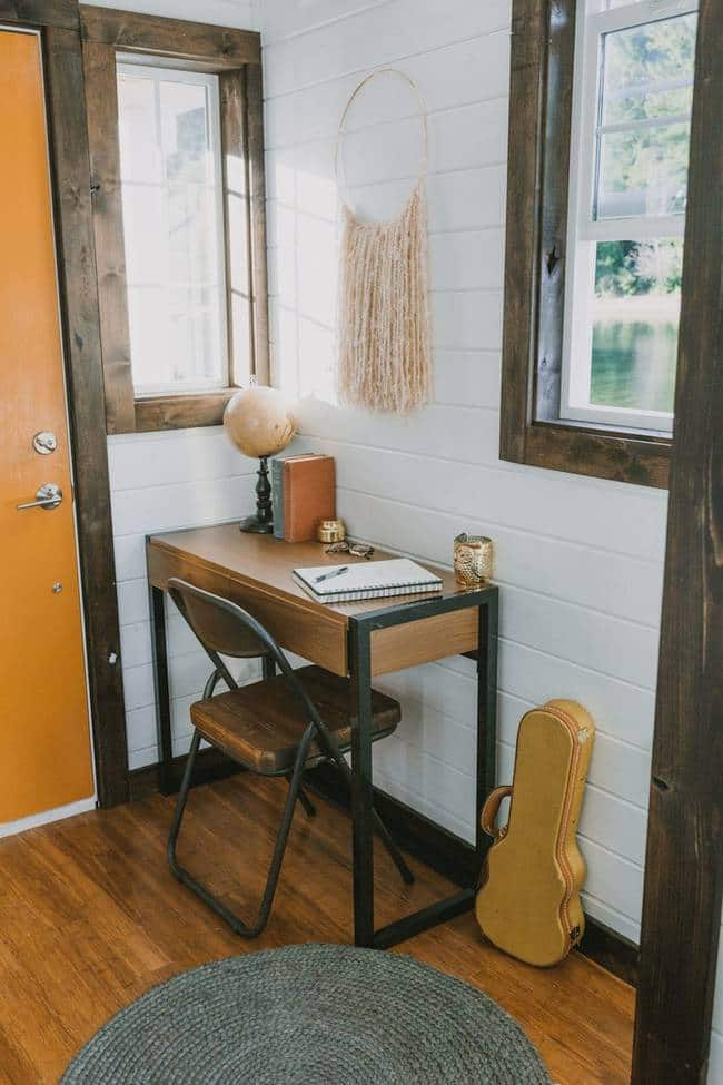 heirloom-tiny-home-desk