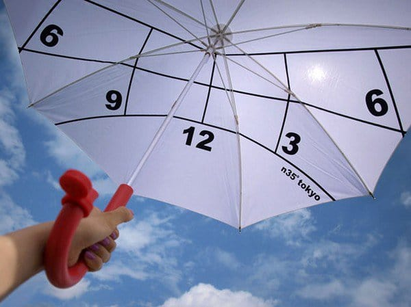 holding number umbrella