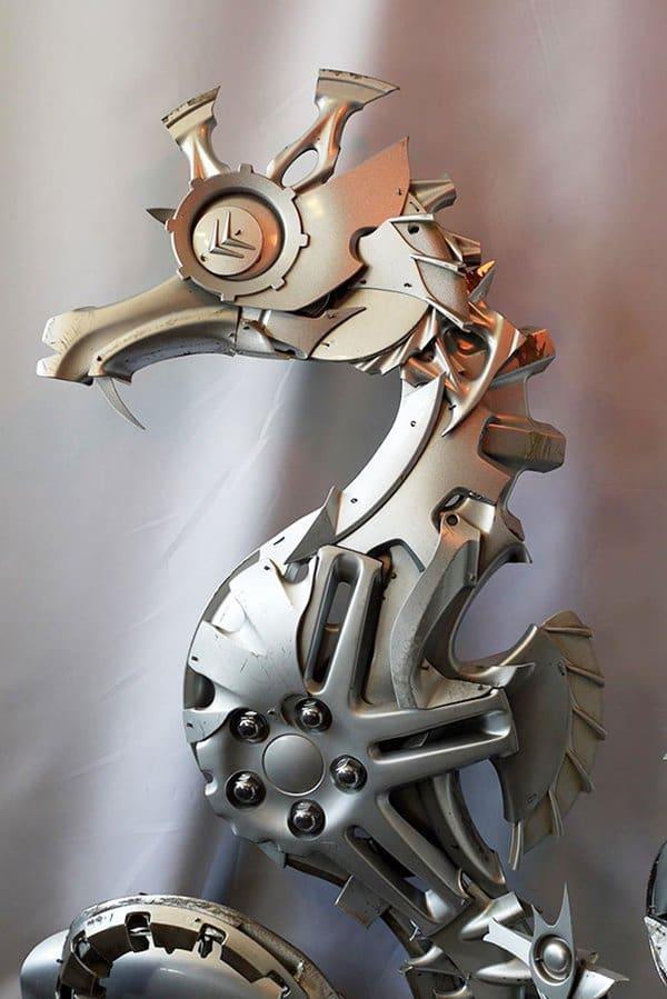 hubcap-sculpture-seahorse