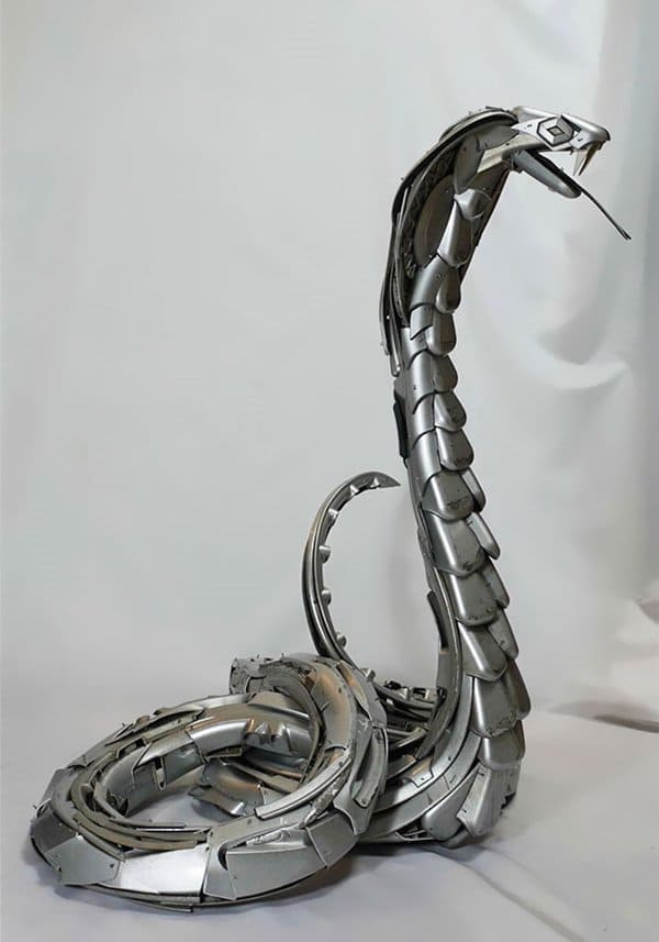 hubcap-sculpture-snake