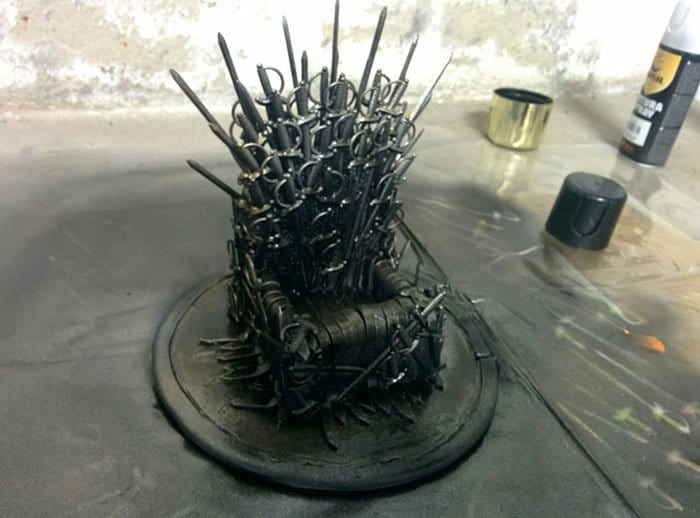 iron-throne-stand-for-phone-diy-game-of-thrones-finished