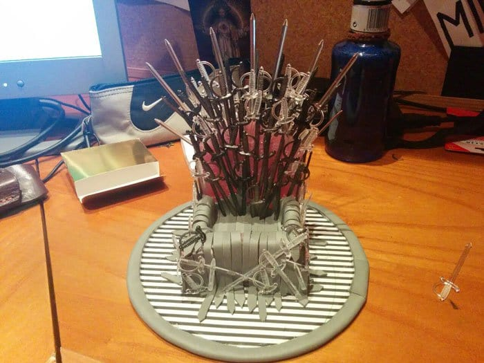 iron-throne-stand-for-phone-diy-game-of-thrones-nearly finished