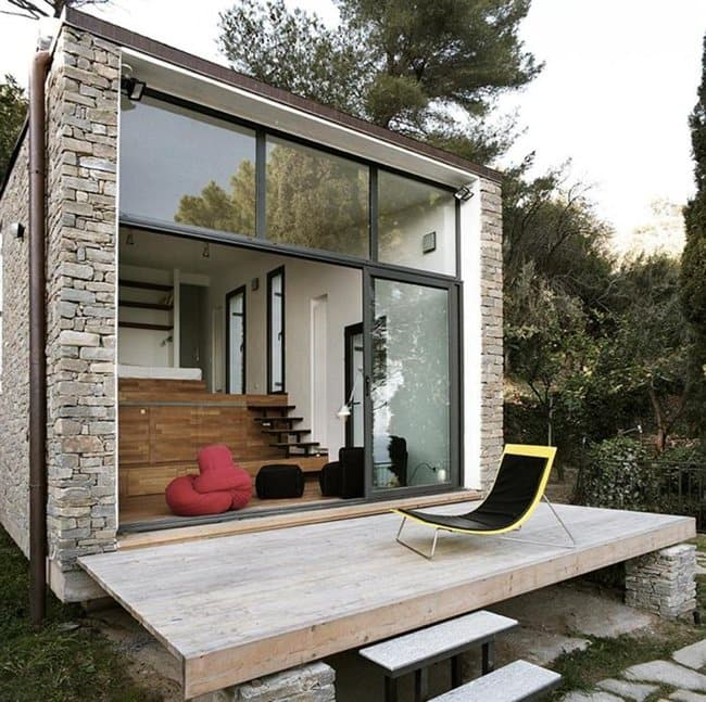 italy-tiny-house-outside