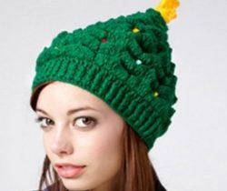 knitetd christmas tree hat