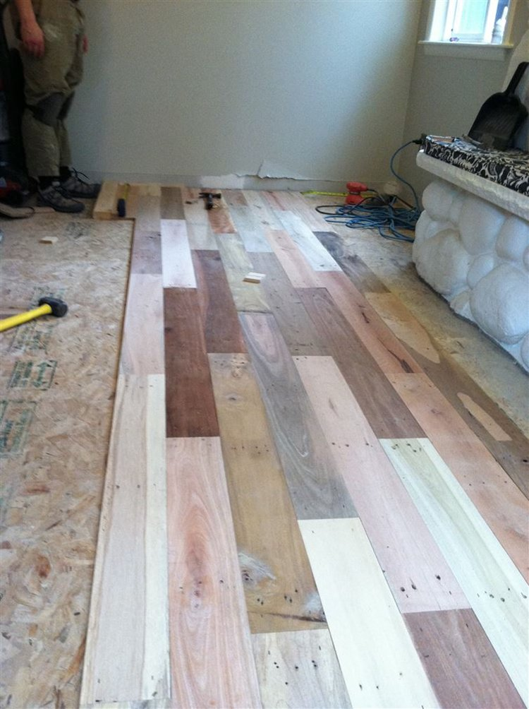 how to install wood pallet flooring 2