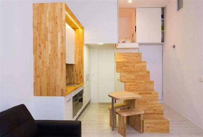 madrid-tiny-house-stairs