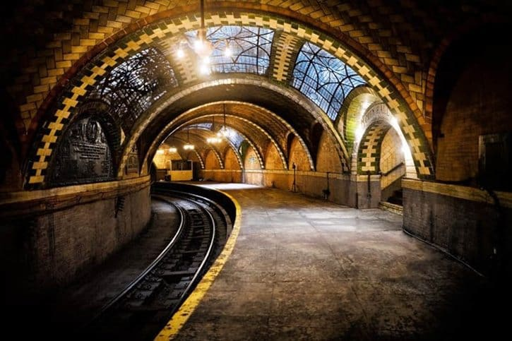 most-beautiful-subway-stations-city-hall