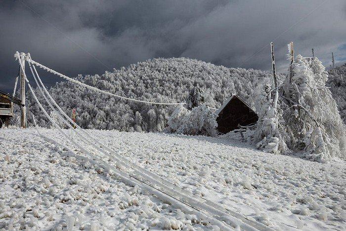 vornik-slovenia-winter-hut