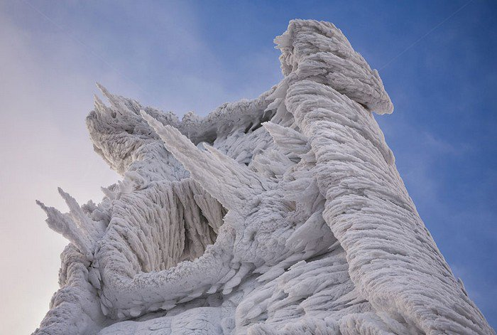 mount-javornik-slovenia-winter-ice-formation