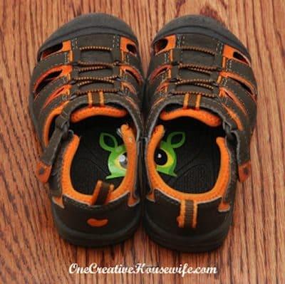 parents-shoe-sticker