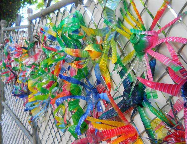 17 creative ways to reuse plastic bottles for Plastic bottle decoration images