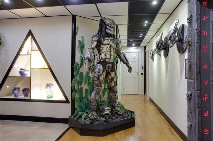 http://www.awesomeinventions.com/wp-content/uploads/2014/12/predator-hall.jpg