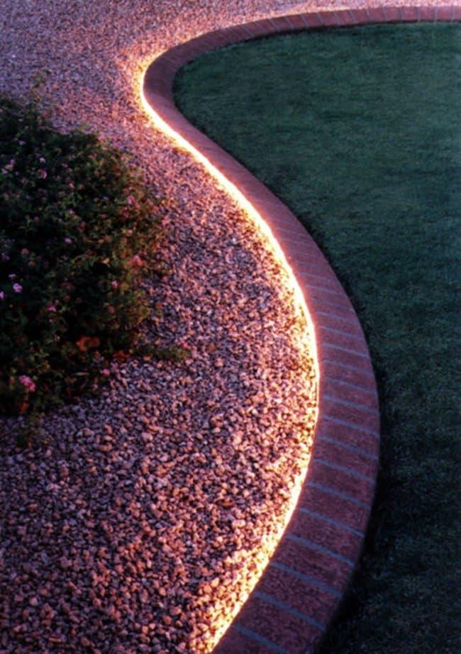 rope-lighting-garden