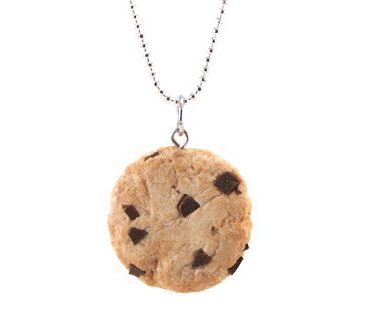 scented cookie necklace close