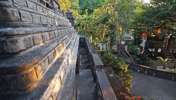 temple-outside