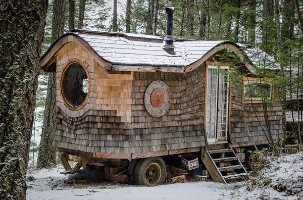 wagon woods snow