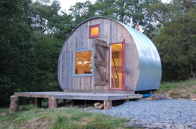 Strange 10 Cute Space Saving Small Houses Youll Actually Love Largest Home Design Picture Inspirations Pitcheantrous
