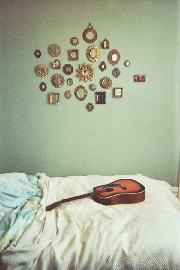 wall-art-tiny-mirrors