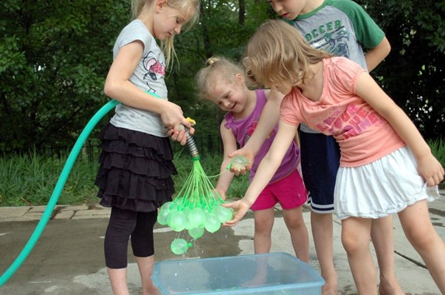 water-balloon-filler