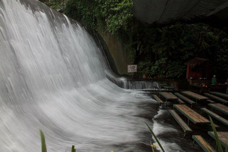 waterfall-restaurant-falls