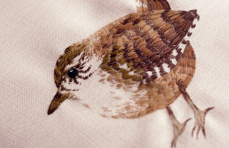 animal-embroidery-chloe-giordano-bird