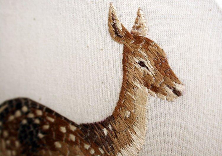 animal-embroidery-chloe-giordano-deer