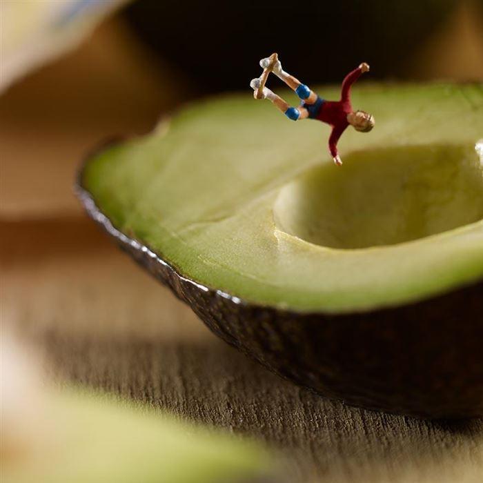 avocado skating minimiam
