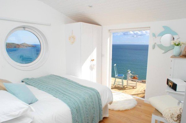 bedroom-cornwall-cliff-cottage