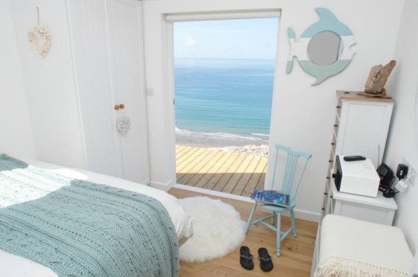 bedroom-view-cornwall-cliff-cottage