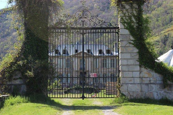 chateau-gates