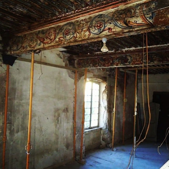 chateau-room