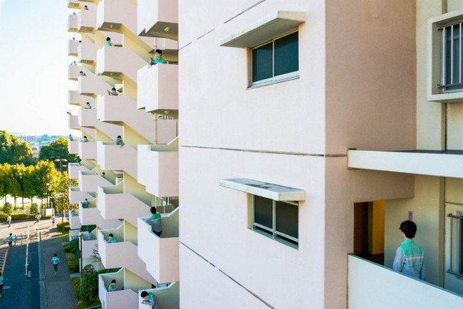 clones balcony
