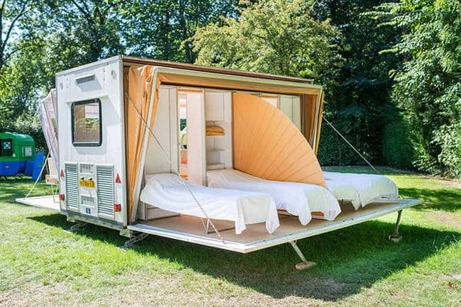 collapsible-camper-bedroom