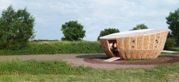 corn-cobs-house
