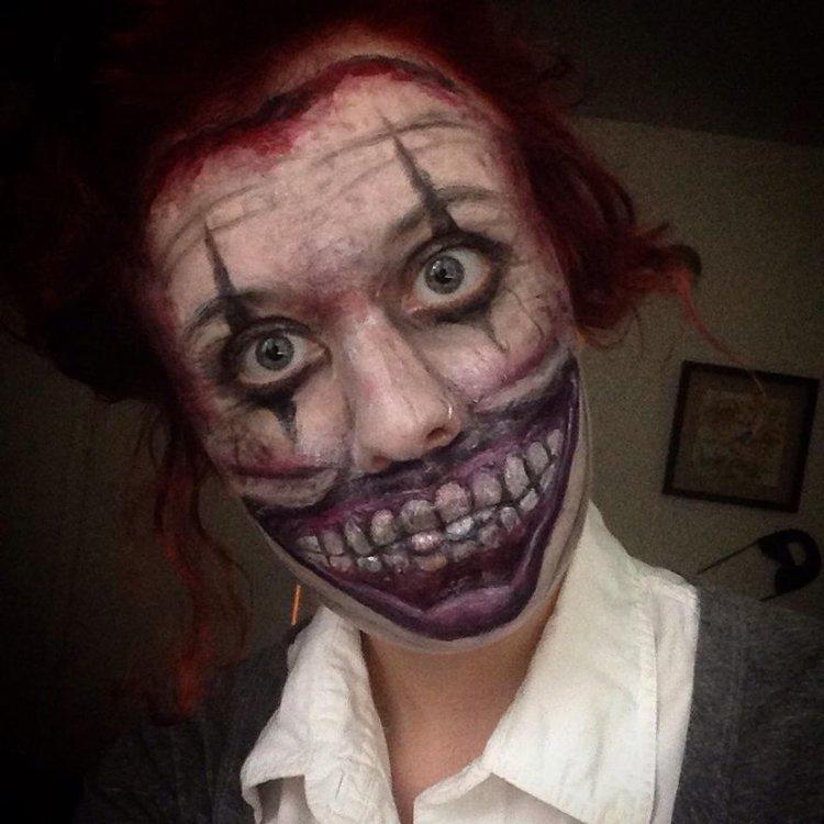 creepy-face-paint-clown