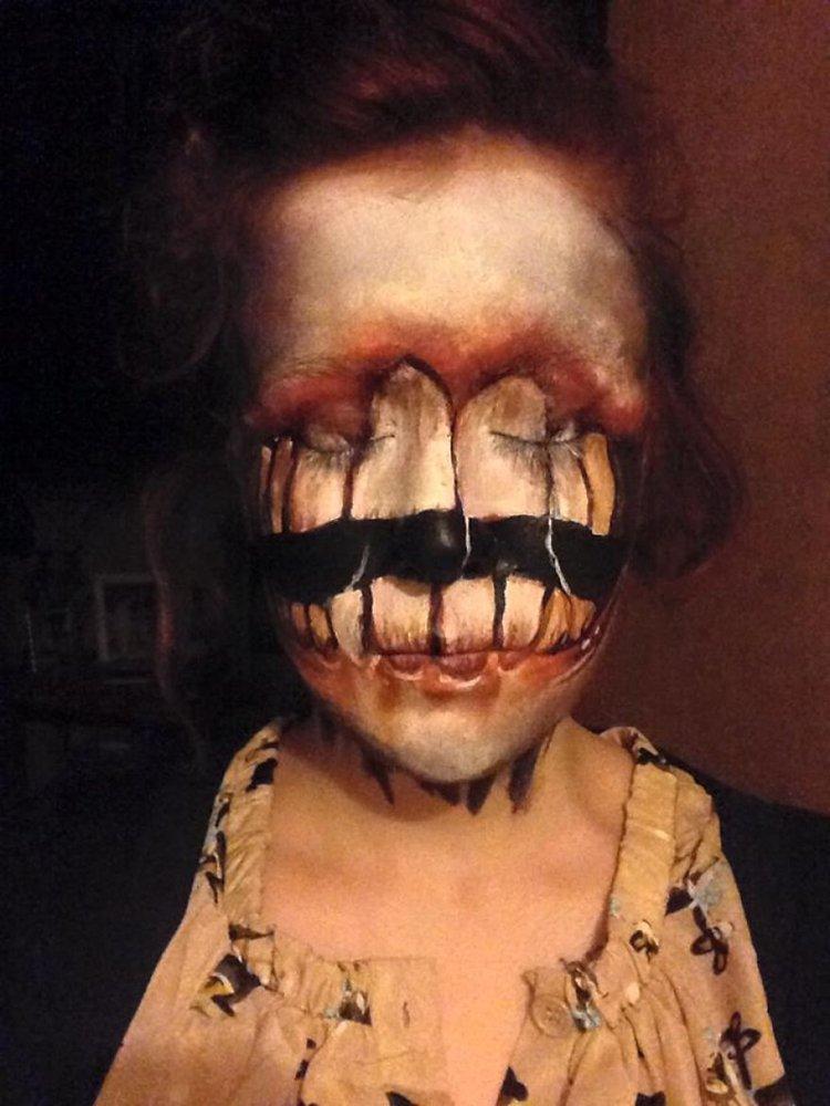 creepy-face-paint-teeth