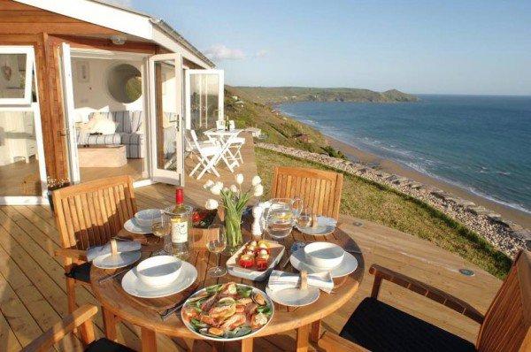 deck-breakfast-cornwall-cliff-cottage