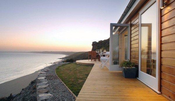 deck-distance-cornwall-cliff-cottage