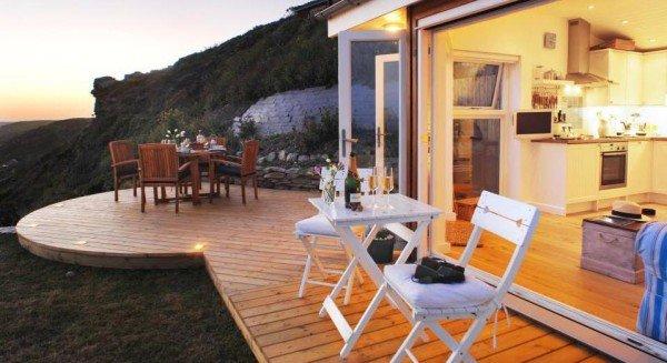 deck-wine-cornwall-cliff-cottage