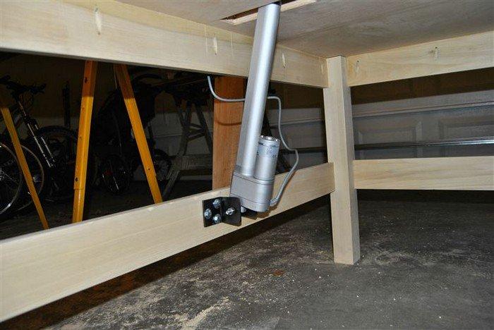 desk hydraulic system