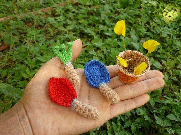 garden tools flowers hand