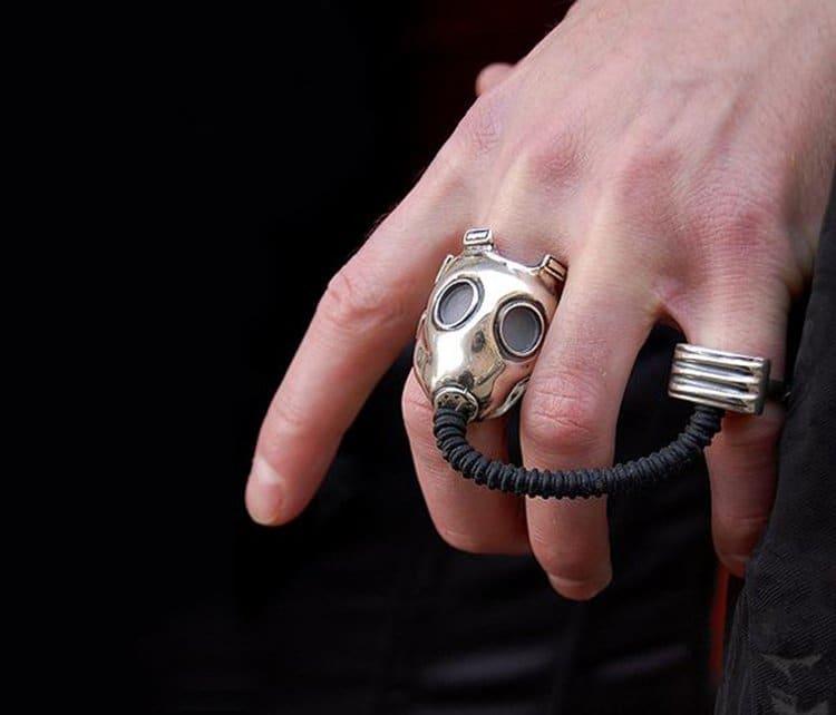 gas-mask-ring