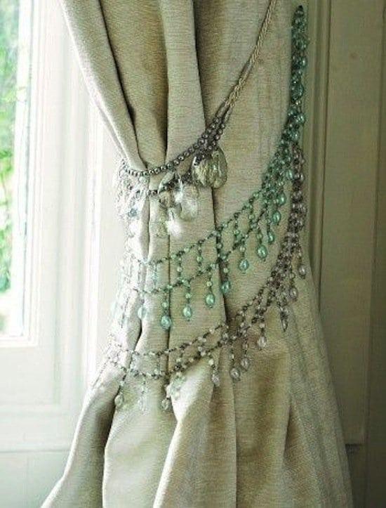 genius-curtain-necklaces