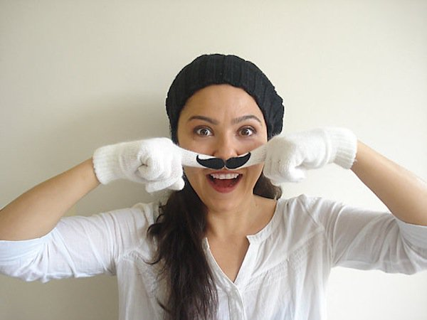 gloves-moustache