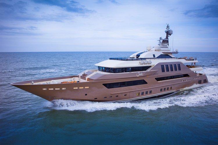 jade-yacht